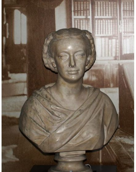 Bust of Amelia Edwards. Petrie Museum collection.