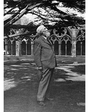 Petrie in the cloisters of Salisbury Cathedral, 1934. Copyright the family of Flinders Petrie.