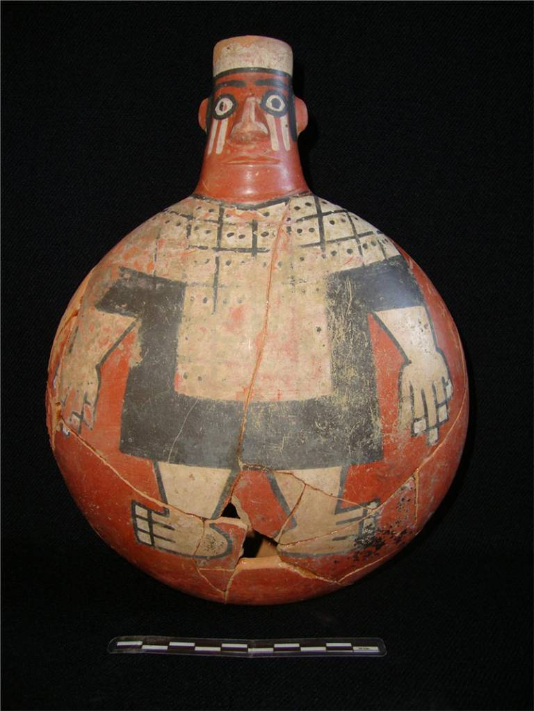 Ceramic from the Señor de Wari burial, Espíritu Pampa – Cusco