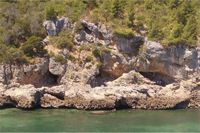 The Gruta Figueira Brava site on Portugal's Atlantic coast (Image courtesy of Mariana Nabais)