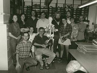 Gordon and archaeobotany staff and students at the Institute (1996)