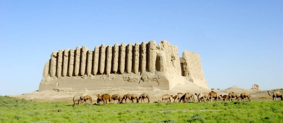 Great Kyz Kala monument at Merv