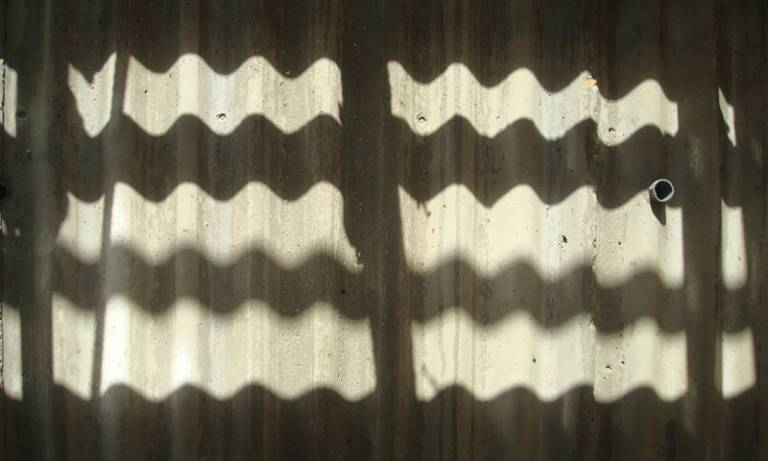 Zig-zag patterns of shadows on concrete