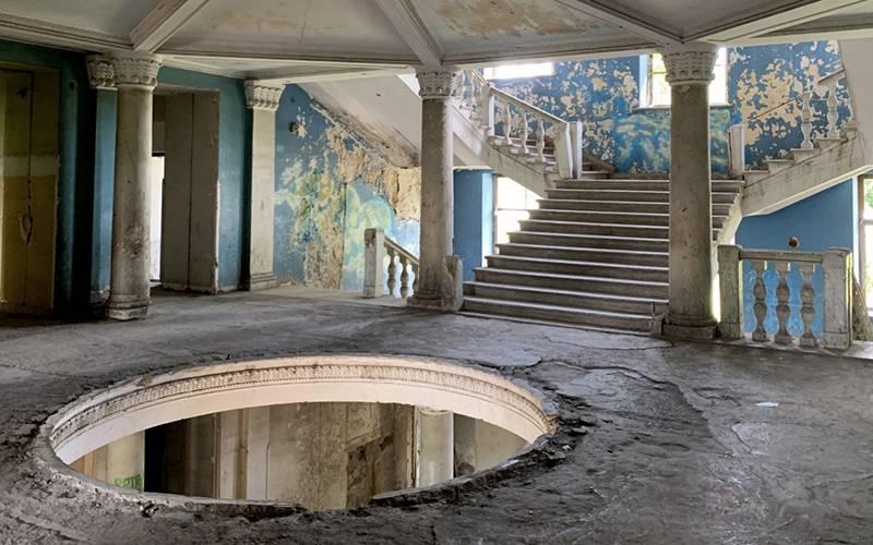 'Sanatorium', by Tskaltubo