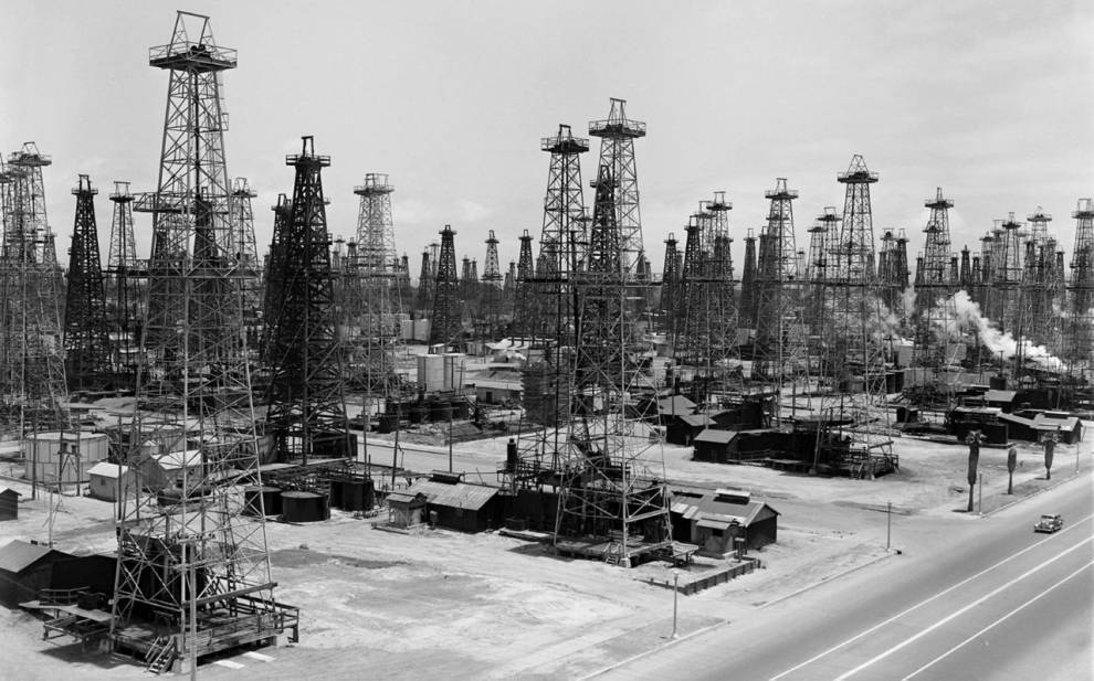UG7, 'Huntington Beach Oil Fields', 1920