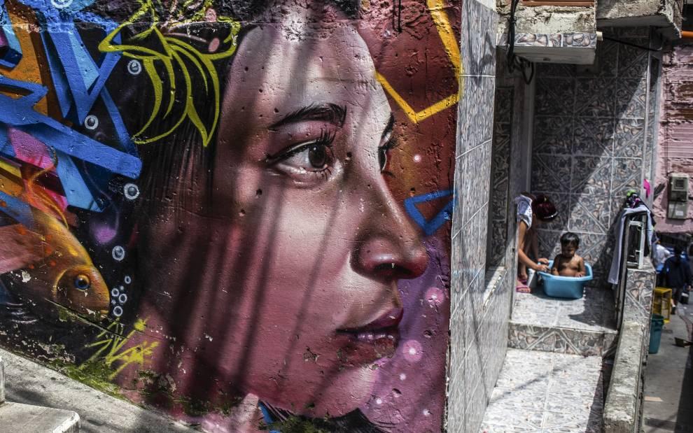 UG 10, 'Comuna 13 series, Medellin, Colombia', by Juancho Torres, 2017