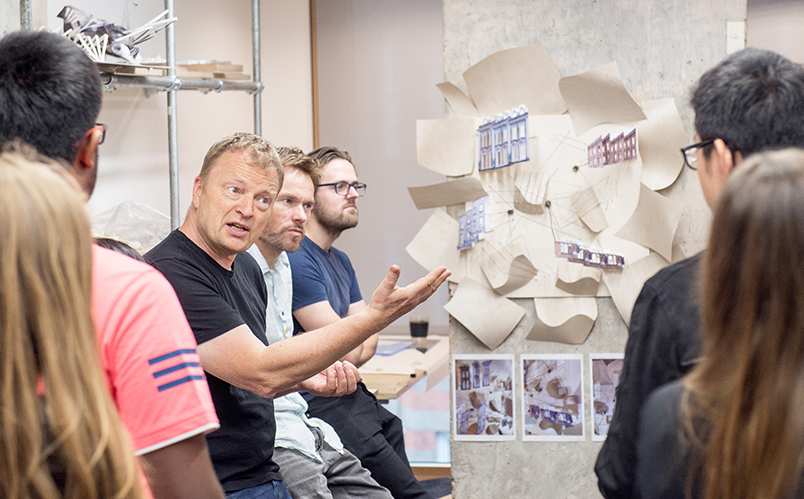 Bartlett Professor Nat Chard teaching students at The Bartlett Summer Studio 2019. Photography by Richard Stonehouse
