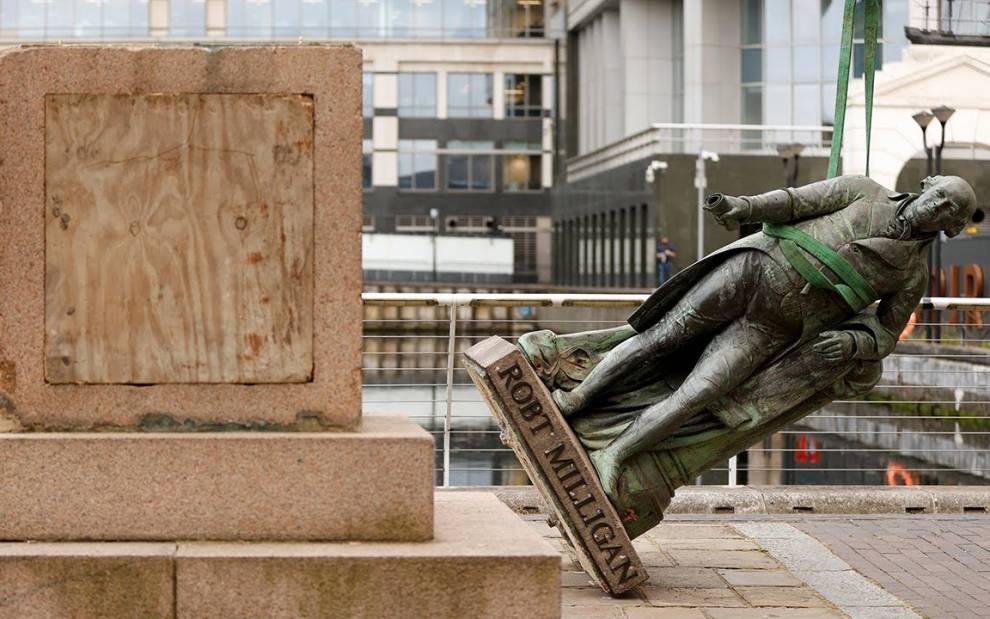 UG14, 'Statue of Slave Owner Robert Milligan is Taken Down'