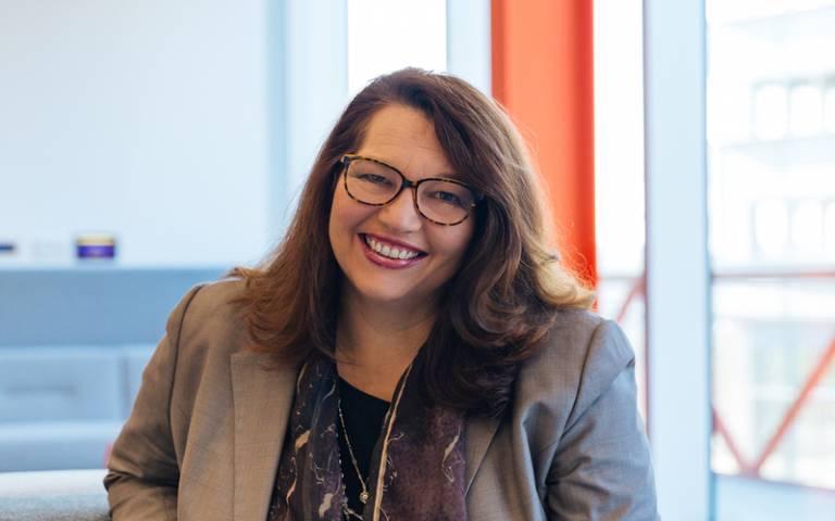 Yolande- BREI chair