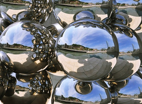 Cities as bubble mirrors. by Vicente Sandoval