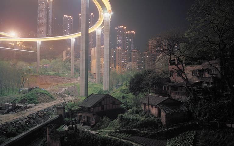 Lives through an extending urbanism