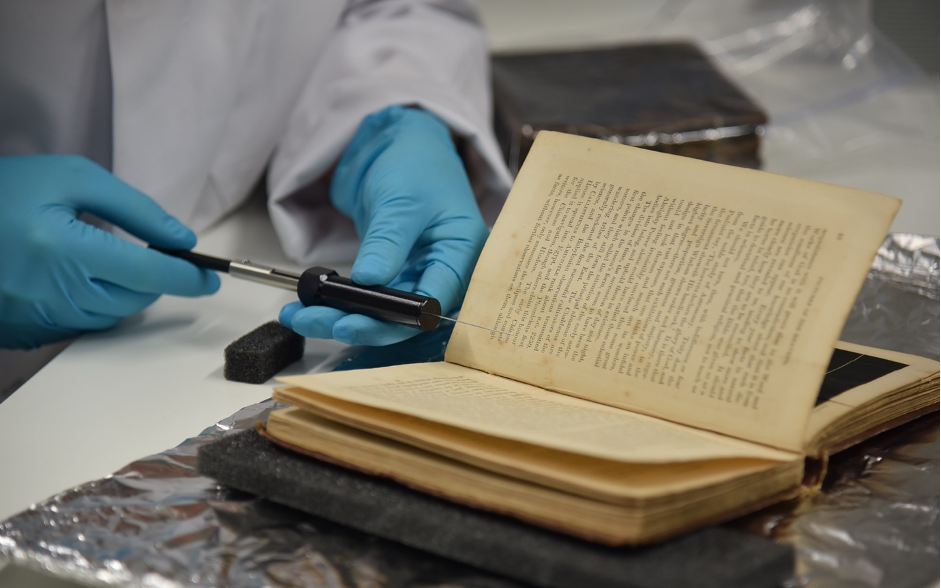 Headspace solid phase microextraction (HS-SPME) of a historic book VOCs at the Heritage Science Lab at UCL