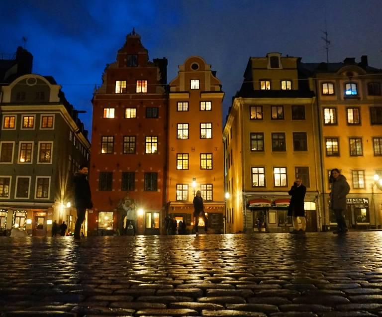 Laura Zumbado Stockholm streetscape night time
