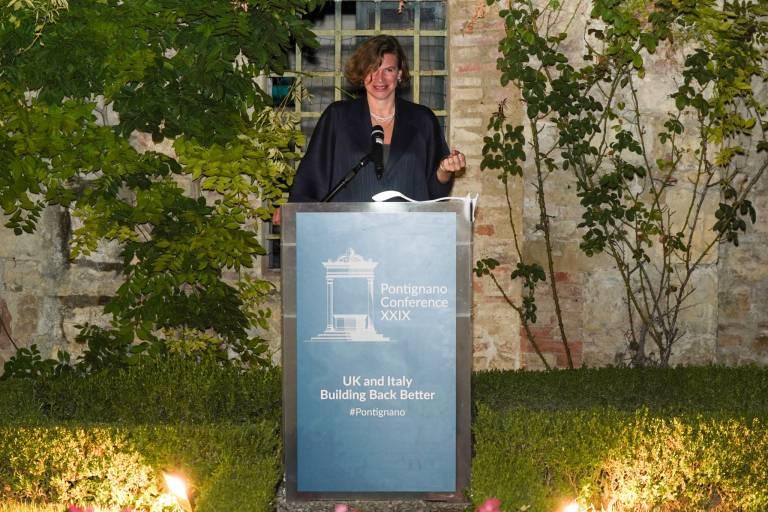 Professor Mariana Mazzucato receives Pontignano award