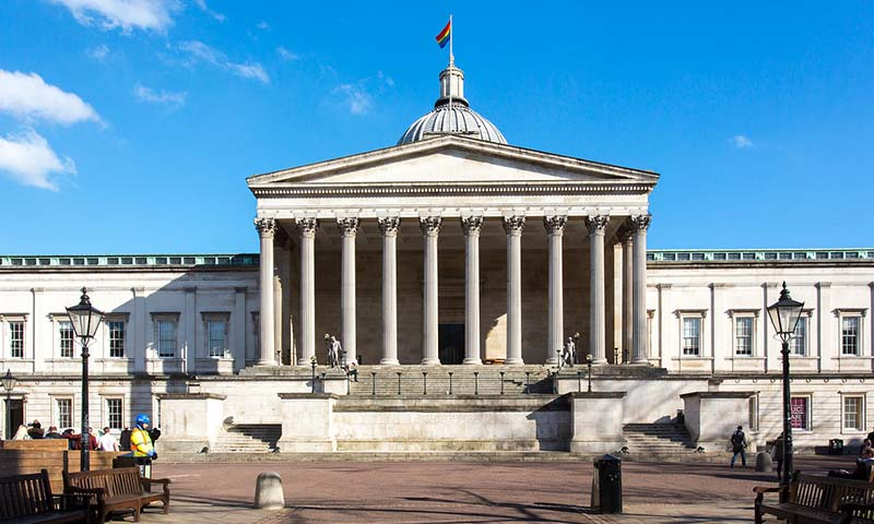 Universtiy College London - portico winter