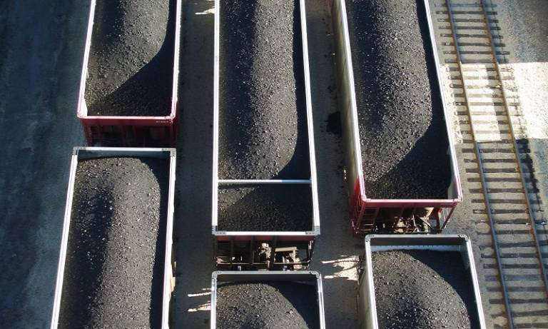 coal_train_c_istockphoto