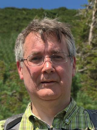 Dr Andrew Batchelor