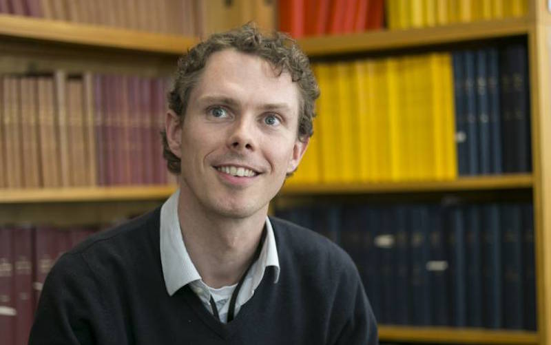 Dr Peter Keating