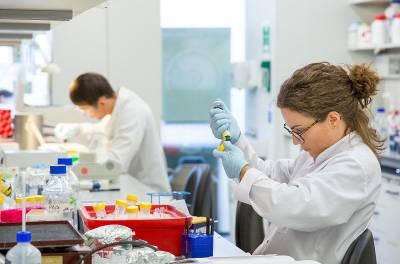 Female researcher in a lab