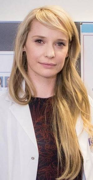 Photograph of Dr Laura Donovan