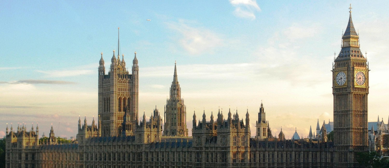 parliament 3000x1300