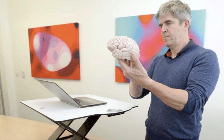 Professor Vincent Walsh - Oploft standing desk