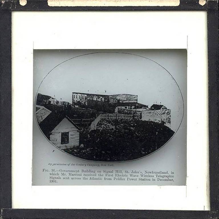 Slide showing a picture of a government building