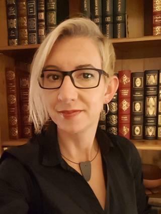 Headshot of Dr Kathryn E. Piquette