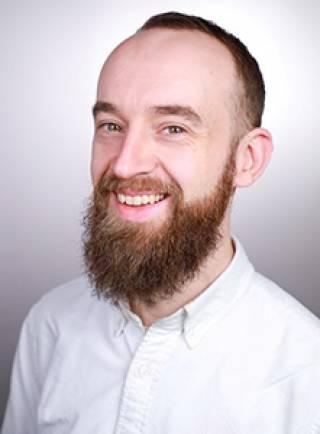 Dr Peter Irvine