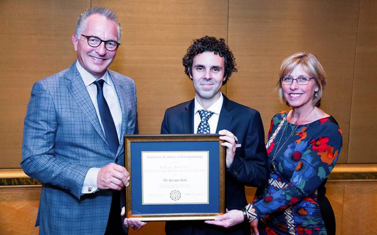 Dr Jacopo Buti receives his award