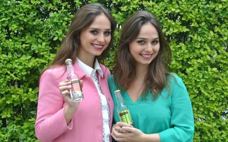Joyce and Raissa De Haas, Double Dutch Drinks