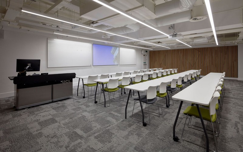 Small lecture room B09