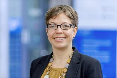 Headshot of Stefanie Walter