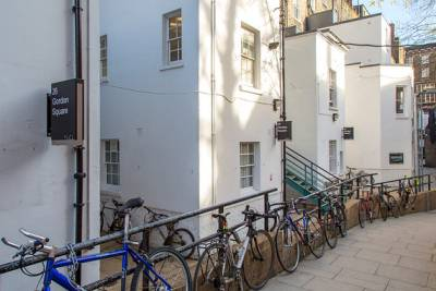 Gordon Houses_bikes