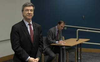 Jeffrey Sachs speaking at the GGI