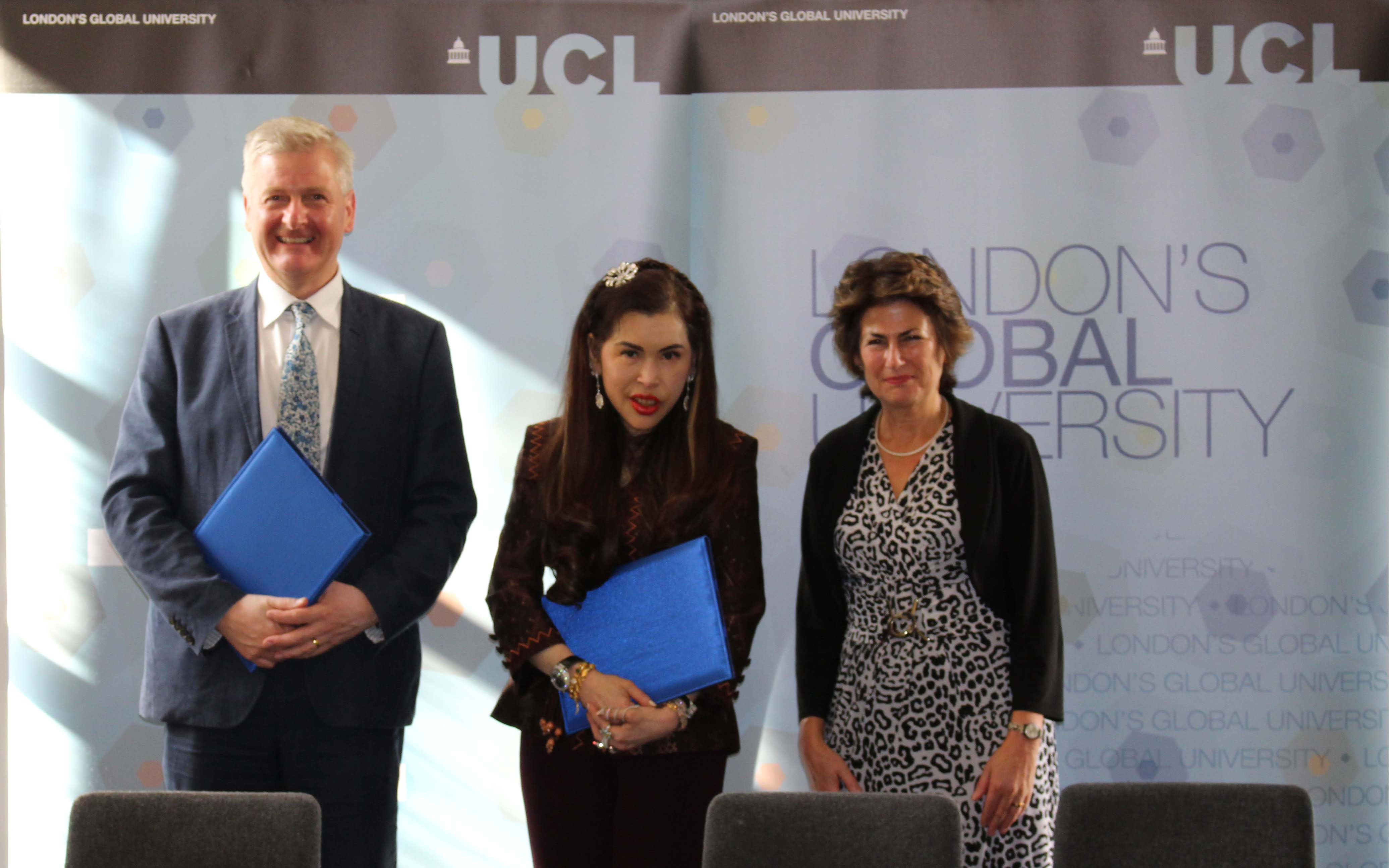 Professor David Lomas and Dame Nicola Brewer welcome Princess Chulabhorn…