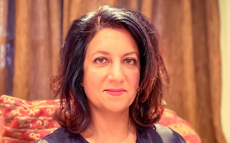 Professor Monica Lakhanpaul headshot