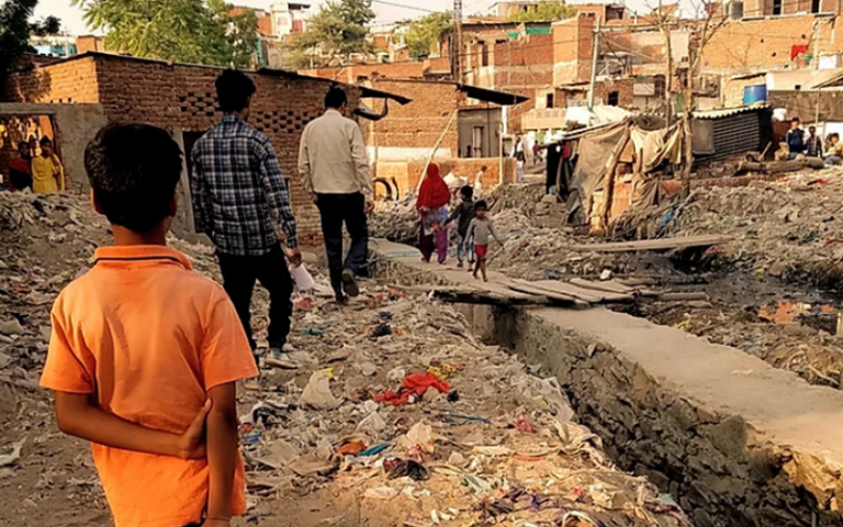 An image of a slum.