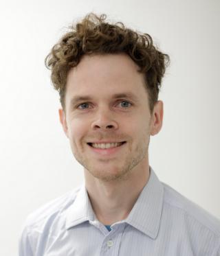 Dr Dan Lewer