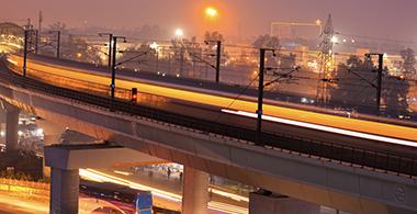 A Delhi road at night
