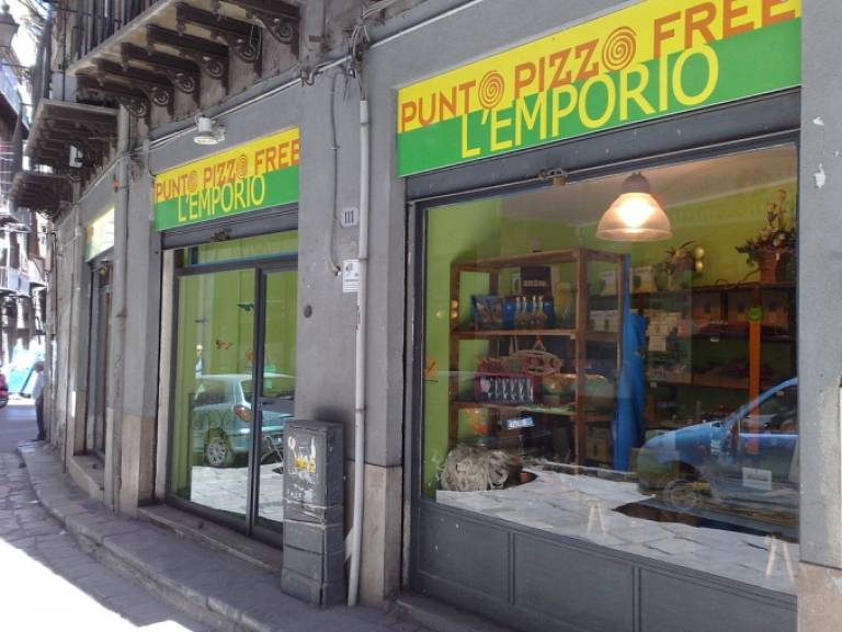 A pizzo-free shop in Palermo. By Dedda71 (Own work) [CC-BY-3.0 (http://creativecommons.org/licenses/by/3.0)], via Wikimedia CommonsBy Dedda71 (Own work) [CC-BY-3.0 (http://creativecommons.org/licenses/by/3.0)], via Wikimedia Commons http://commons.w…
