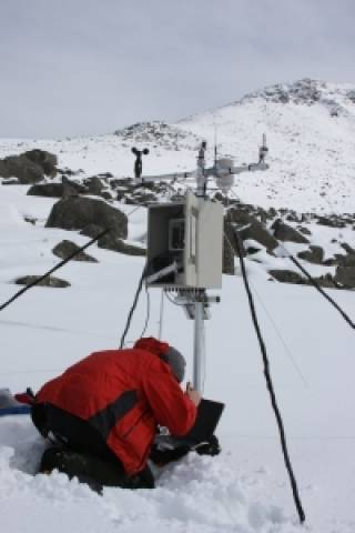 Servicing the UWMN automatic weather station at Lochnagar, Scotland. Photo: Ewan Shilland