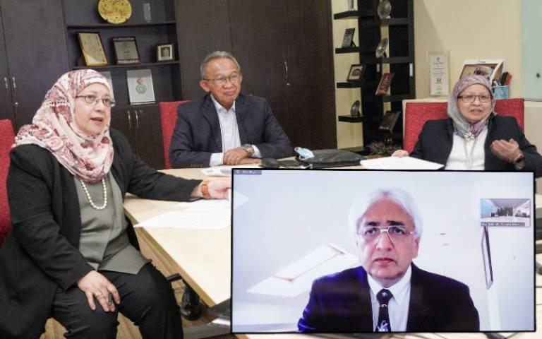 Professor Sir Alimuddin Zumla receiving 2020 Mahathir Science Foundation award