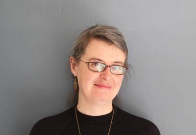Catherine Stokes Headshot