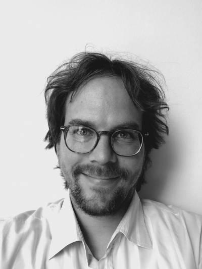 Dr Matthias Battis