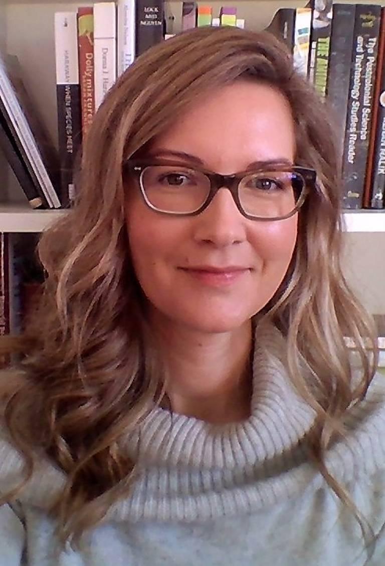 Dr Amy Hinterberger