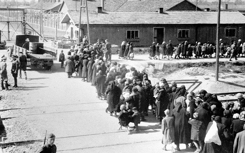 Prisoners lined up toward the gas chambers and crematoria at the Birkenau concentration camp (Photo: Auschwitz Album / Public Domain)