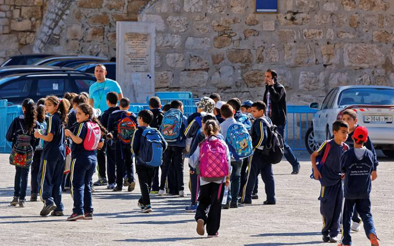 Group of school children in Israel. Image: Viktor Karppinen (CC BY-NC-ND 2.0)