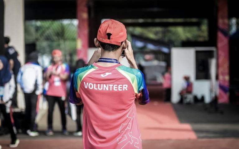 Young adult volunteer