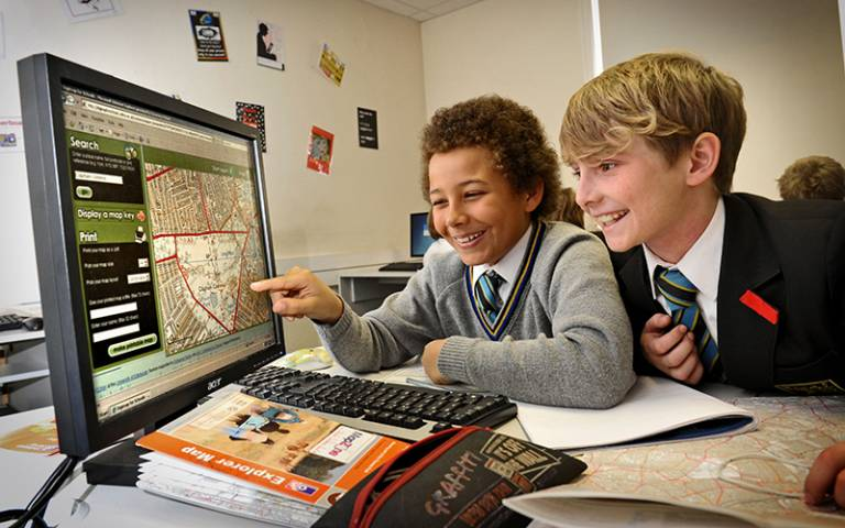 Pupils at Graveney School using Digimap for Schools. Department for Communities and Local Government (CC BY-ND 2.0)